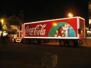 Der Coca-Cola Weihnachtstruck (Quelle und Urheber: Wikipedia Commons/ Husky).