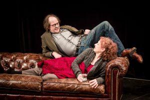 Lies und Richard auf der Couch. Foto: Thomas Langer.