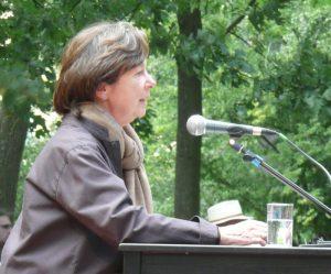 Ulla Hahn auf dem Poetenfest Erlangen im Jahr 2009 (Quelle: Wikimedia Commons/ Don Manfredo).