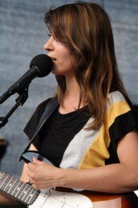 Die Lyrikerin Lydia Daher bei den Wiener Festwochen 2008 (Quelle: Wikimedia Commons/ Tsui - Manfred Werner).