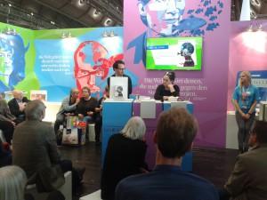Nino Haratischwili bei ihrer Lesung, Foto: Rebekka Knoll