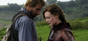 "Matthias Schoenaerts als ""Gabriel Oak"" und Carey Mulligan als ""Bathsheba Everdene"" in AM GRÜNEN RAND DER WELT - FAR FROM THE MADDING CROWD. © 2015 Twentieth Century Fox"
