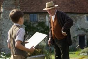 Schön mitschreiben! Mr. Holmes gibt Bienenkunde