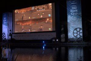 Auf einer riesiegen Leinwand Mario Kart spielen. Was will das Gamerherz mehr? Bild: Frank Lerke